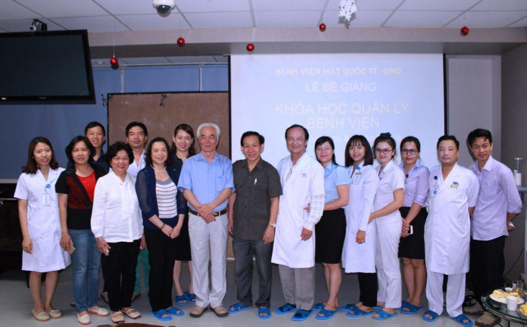 """Lễ Bế giảng """"Khóa học Quản lý Bệnh viện"""" tại Bệnh viện Mắt Quốc tế DND"""